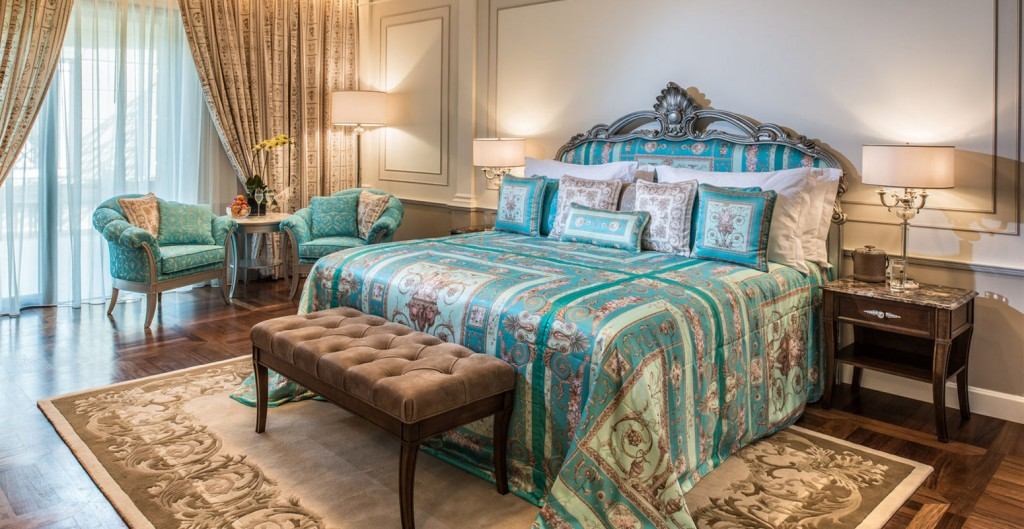 Hotel-Palazzo-Versace-Dubai-Furnishing-Delux-Room