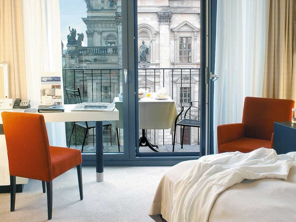 business-class-city-view-of-radisson-blu-berlin-hotel