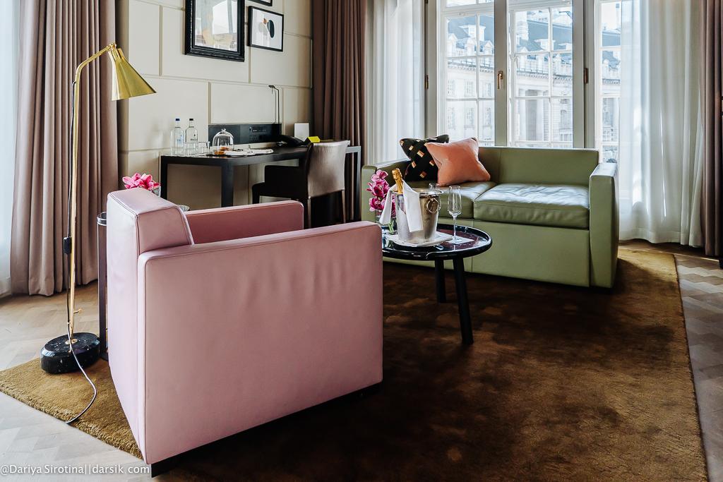 Жизнь в розовом цвете: отель Café Royal London