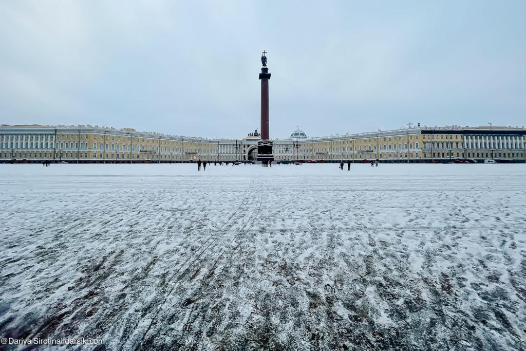 Надо (или не надо) идти: новые места в Петербурге
