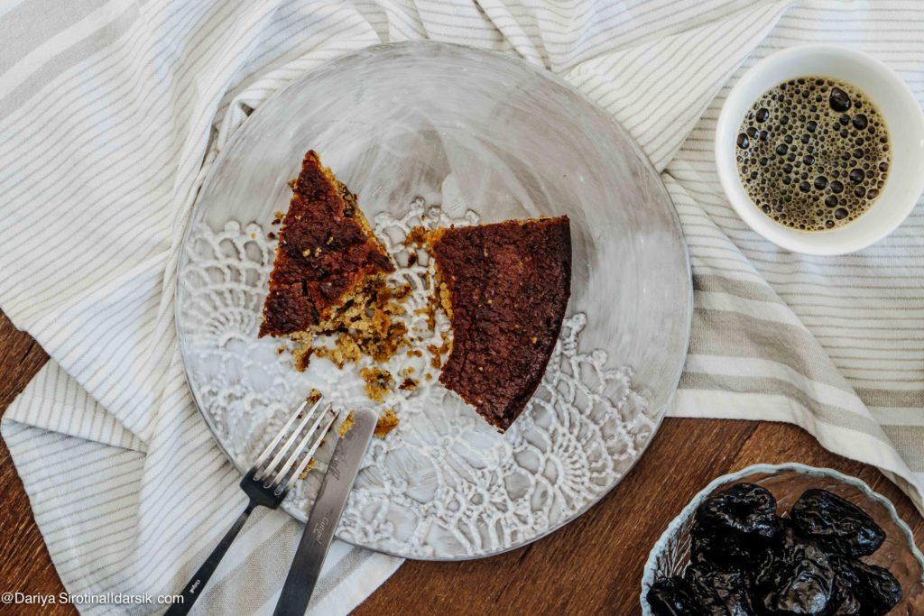 Веганский безглютеновый кекс с черносливом и лимоном