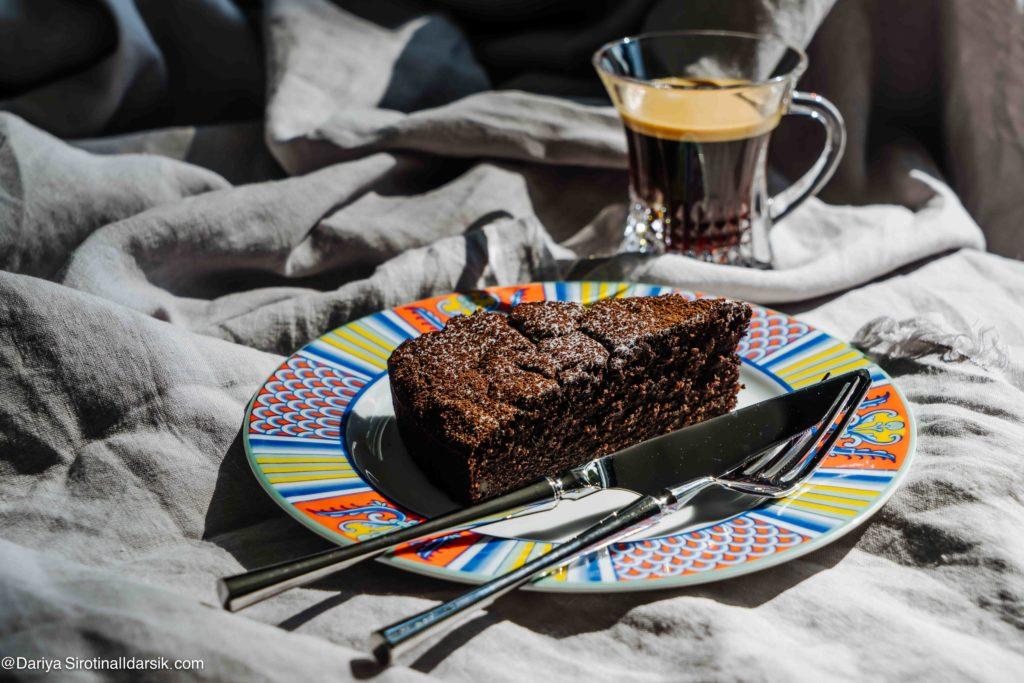 Веганский безглютеновый шоколадный кекс с тыквой и апельсином